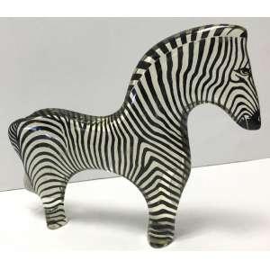 Abraham Palatnik - Escultura em resina de poliéster policromada representando bela Zebra medindo 16 cm de altura x 19 cm de comprimento