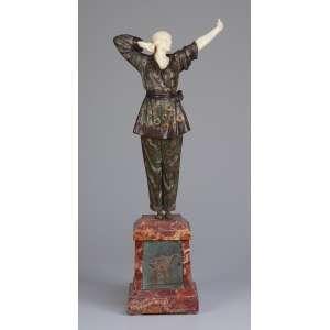 CHIPARUS, Demetre (1888-1950)<br> Pajama Girl. Escultura de bronze e marfim sobre base de mármore com placa de bronze. 49 cm de altura. Assinada na base.<br>Reproduzida em Master of Art Deco, de Alberto Shayo, à pág. 72 e Art Deco Sculpture, de Victor Arwas, à pág. 65.