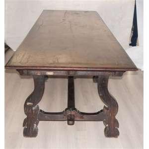 Importante mesa de sacristia de cedro e jacaranda da Bahia pés em forma de Lyra , gavetas almofadadas .Brasil Séc XIX. - 3,30 m de comp, 1,0 de prof, 0,77 de altura