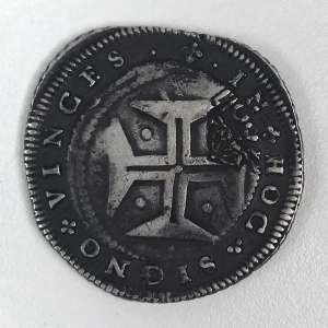 Moedas de Prata, Brasil - Carimbo coroado de 500 Réis sobre moeda de 1 Cruzado de D. João IV, cunhada em Lisboa com nova orla, legenda e serrilha Autorizados a circular no Brasil por Lei de 14 de Junho de 1688. Muito Bem Conservada